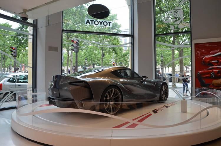 showroom_toyota_Paris_DM_8