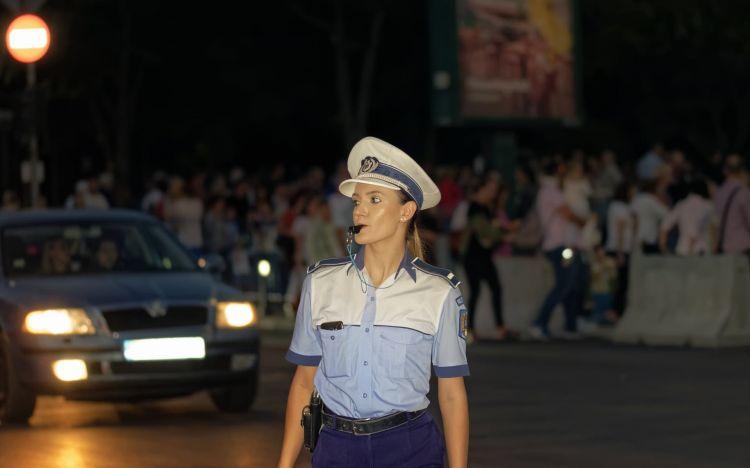 Significado Senales Ordenes Agente Policia Silbato Interseccion