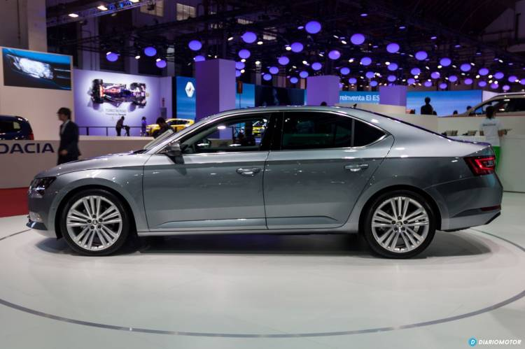skoda-superb-2015-bcn-14-mdm