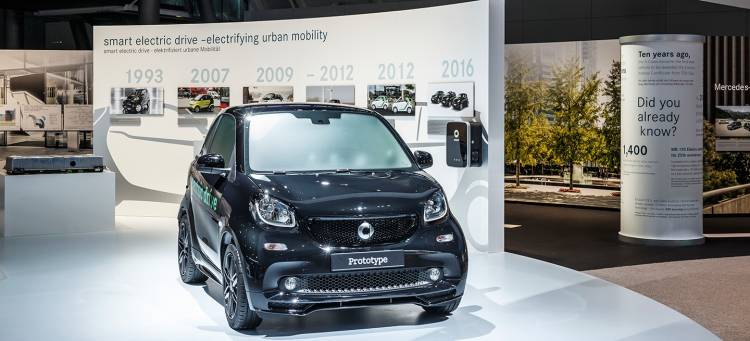 smart-fortwo-forfour-electric-drive-2017-01