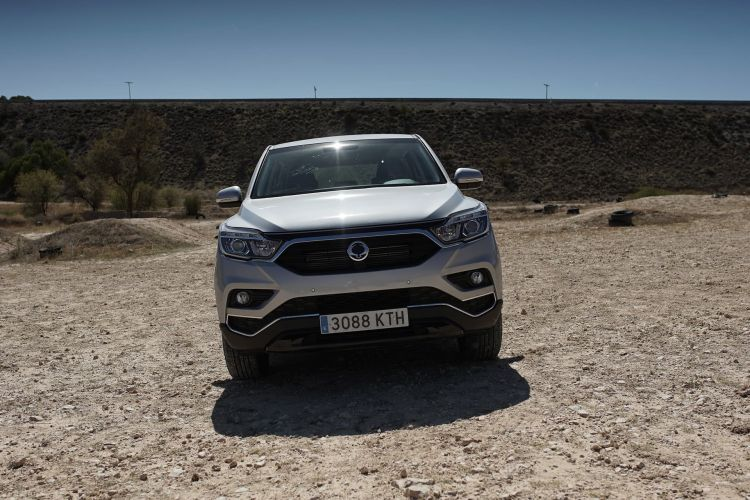 Ssangyong Rexton Frontal 00008