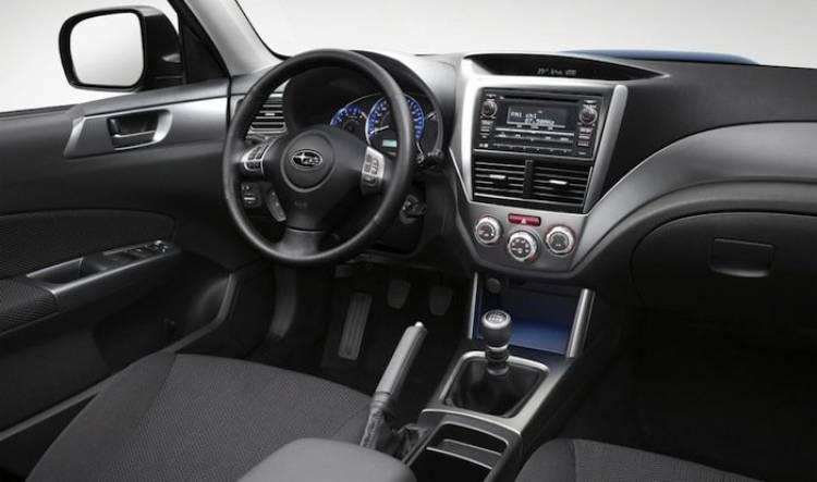 Subaru Forester 2011, interior