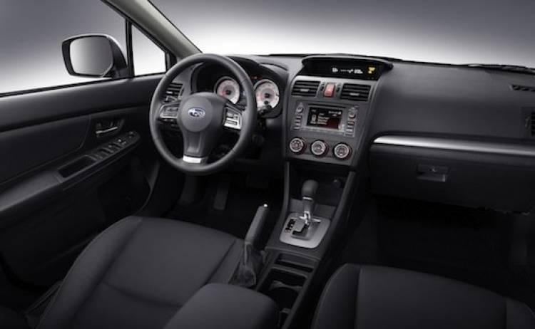 Subaru Impreza compacto cinco puertas 2012