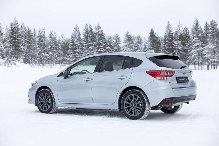 Subaru Impreza Eco Hybrid Trasera