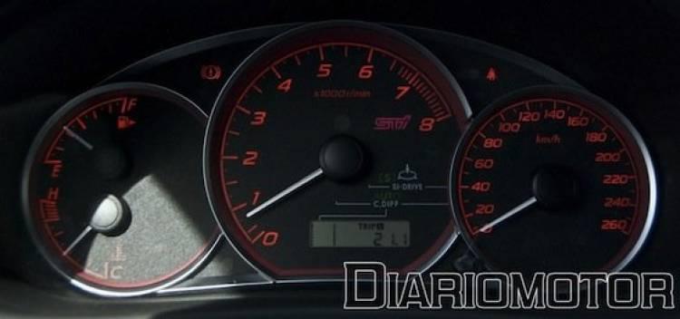 Panel de instrumentos del Subaru Impreza WRX STI (prueba)