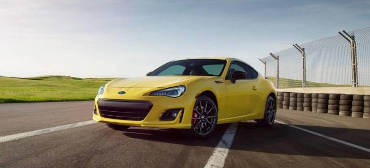 subaru_brz_yellow_DM_interior_2_1440x655c