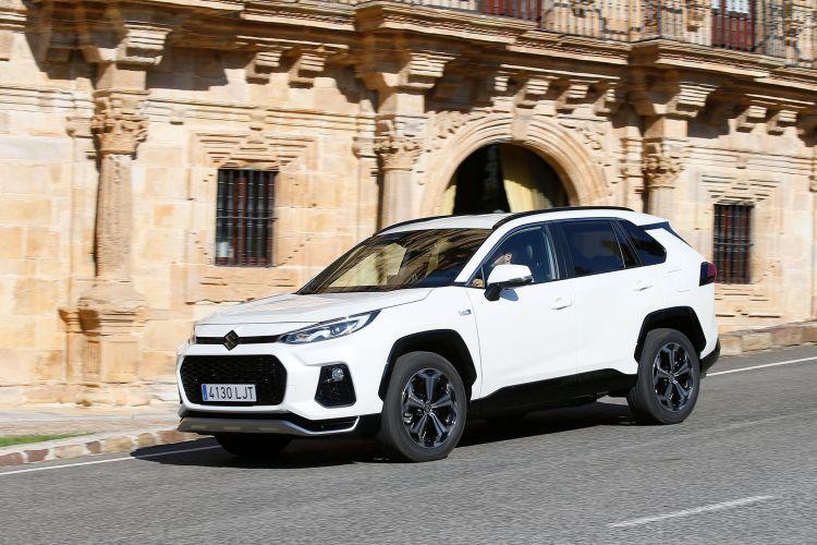 Suzuki Across 2020 Blanco Movimiento Prueba 33