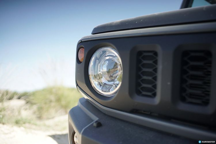 Suzuki Jimny Faro Delantero 00006