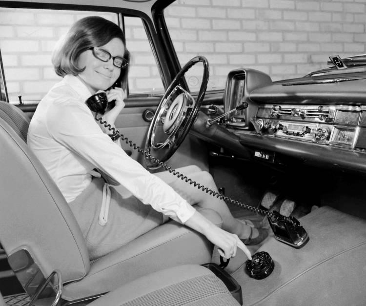 telefono-coche-2016-01