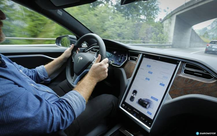 Tesla Gran Ruta Suiza 0718 016