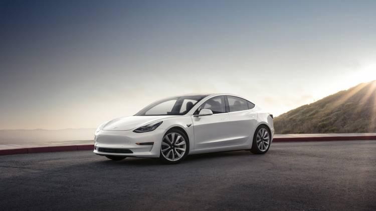 Tesla Model 3 01