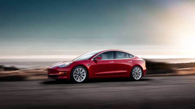 Tesla Model 3 08