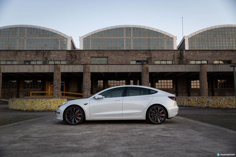 Tesla Model 3 Oferta Septiembre 2021 Exterior 02 Lateral