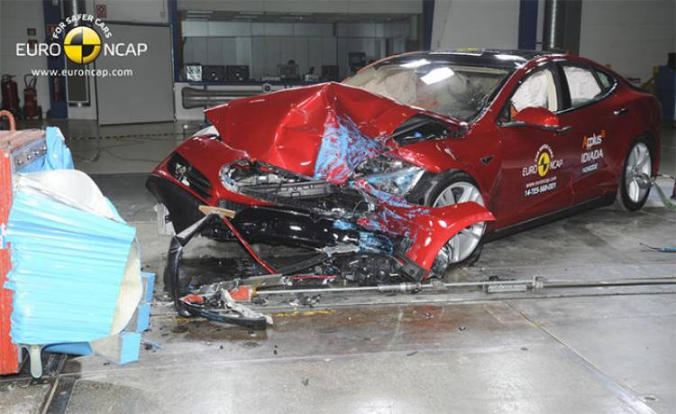 Tesla Model S EuroNCAP
