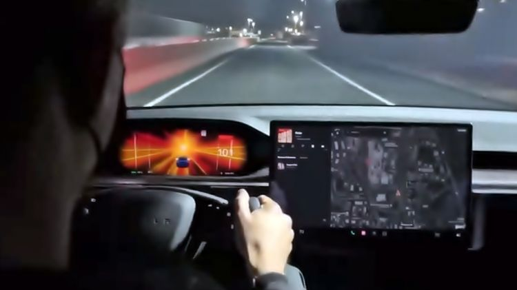 Tesla Model S Plaid 2021 0621 01