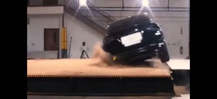 Tesla Model X Video Vuelco