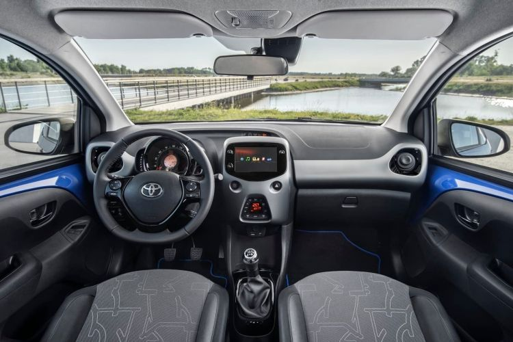 Toyota Aygo Interior 0419 Ficha 012