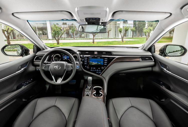 Toyota Camry 00004