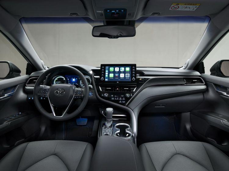 Toyota Camry 2021 Fotos 24