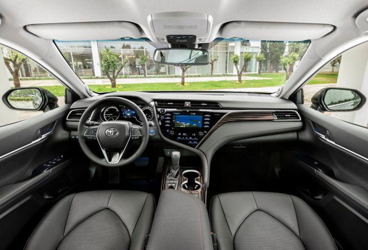 Toyota Camry Hybrid 2019 24
