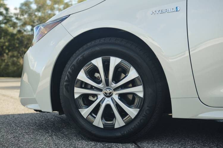 Toyota Corolla Sedan Hibrido 17