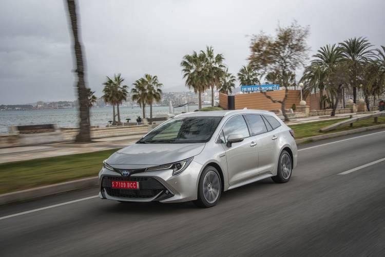 Toyota Corolla Touring Sport 15 Plata