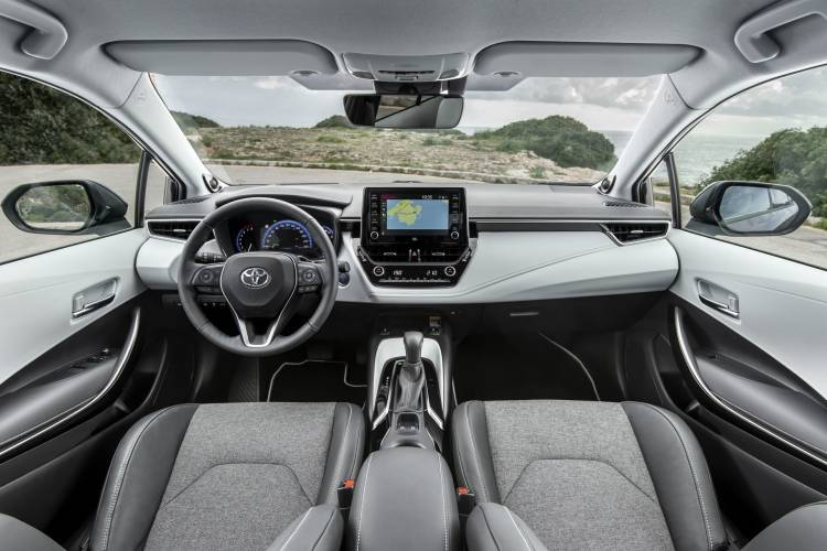 Toyota Corolla Touring Sport 7 Interior