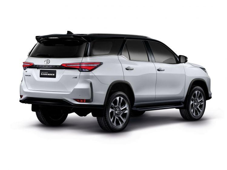 Toyota Fortuner 2020 1