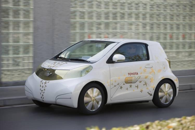 Toyota iQ FT-EV Concept