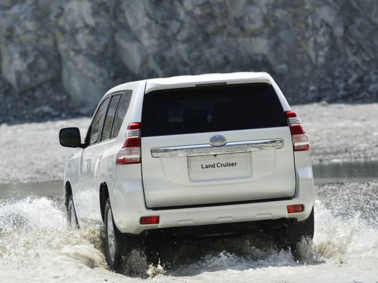 Toyota Land Cruiser 2014, renovación para el todoterreno universal