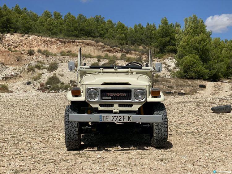 Toyota Land Cruiser Bj40 Frente