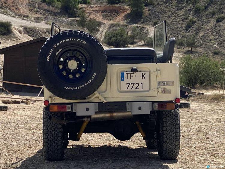 Toyota Land Cruiser Bj40 Trasera