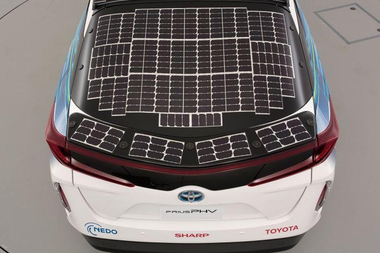 Toyota Prius Phv Solar 12