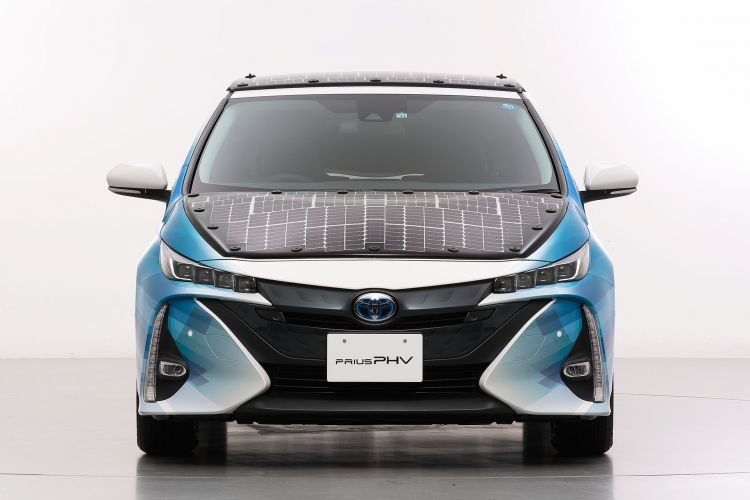 Toyota Prius Phv Solar 7