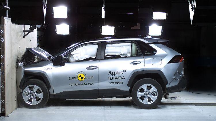 Toyota Rav4 Hybrid Euroncap 03