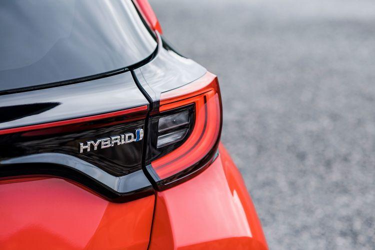 Toyota Yaris 2020 Hibrido Rojo Detalles 11