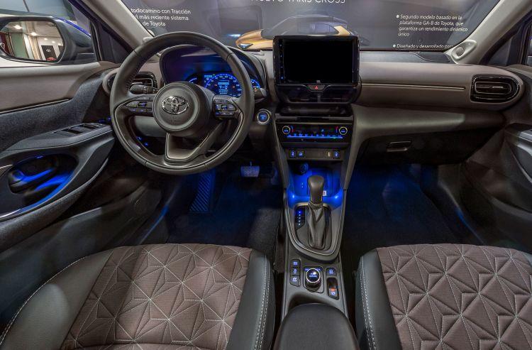 Toyota Yaris Cross 2021 Azul Interior