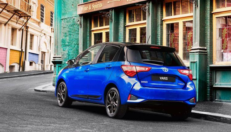 Toyota Yaris Hibrido Azul Oferta Mayo 2020 Trasera