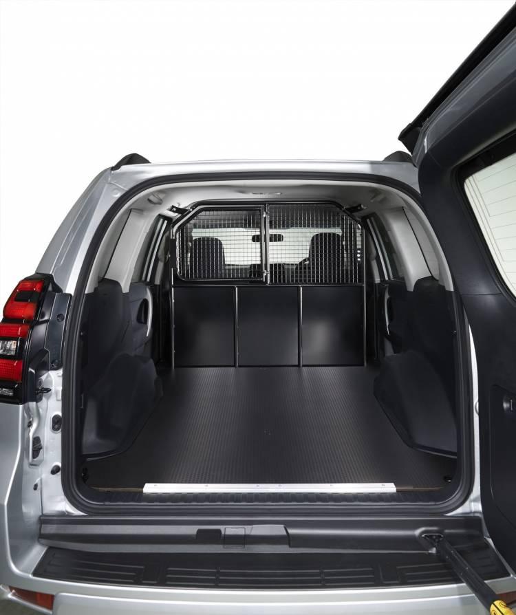 Toyota Land Cruiser Utility 3