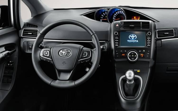 Toyota Verso 2016 6