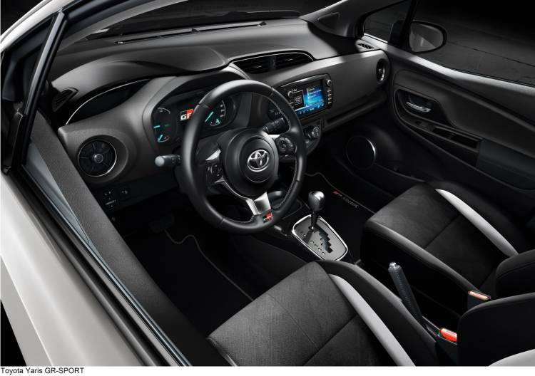 Toyotayarisgr Sport3 318465