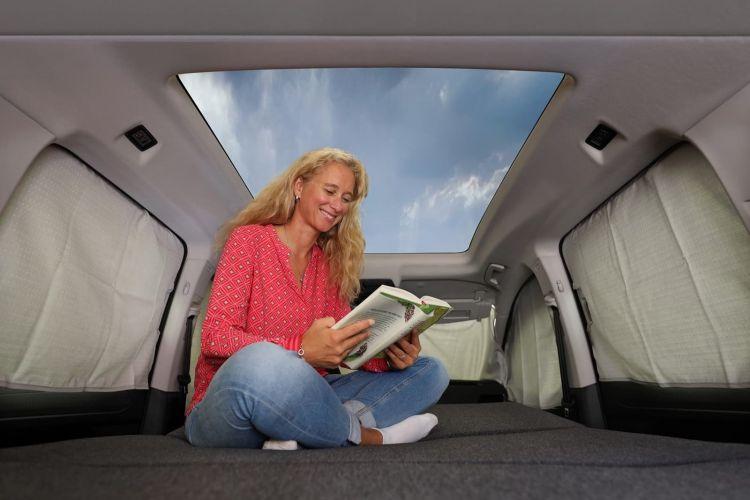 Volkswagen Caddy California 0820 008