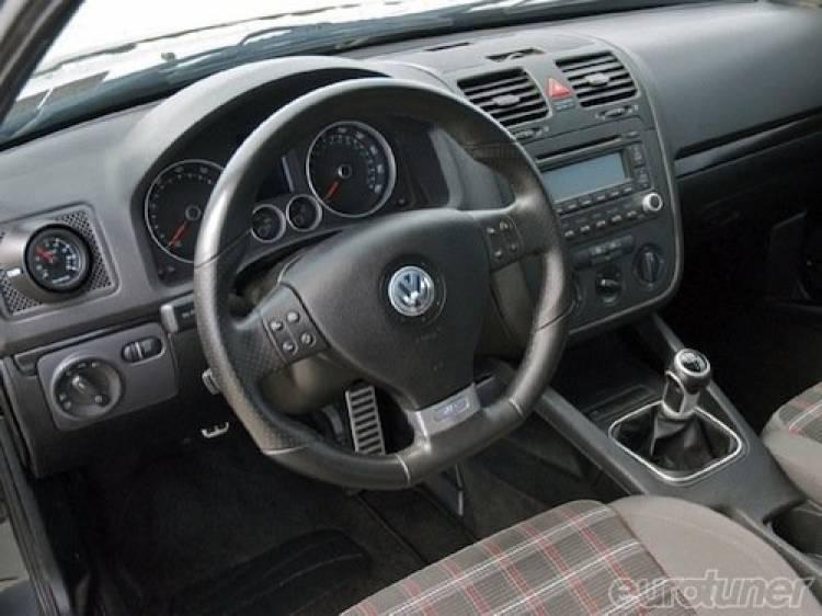 Volkswagen Corrado VR6 con el interior y el motor del Golf V GTI