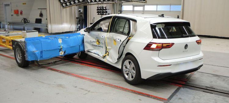 Volkswagen Golf 8 Euoncap P