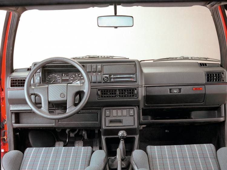 volkswagen-golf-gti-16v-interior-1989