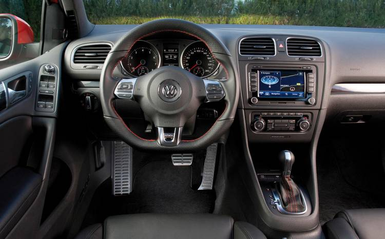volkswagen-golf-gti-interior-2009