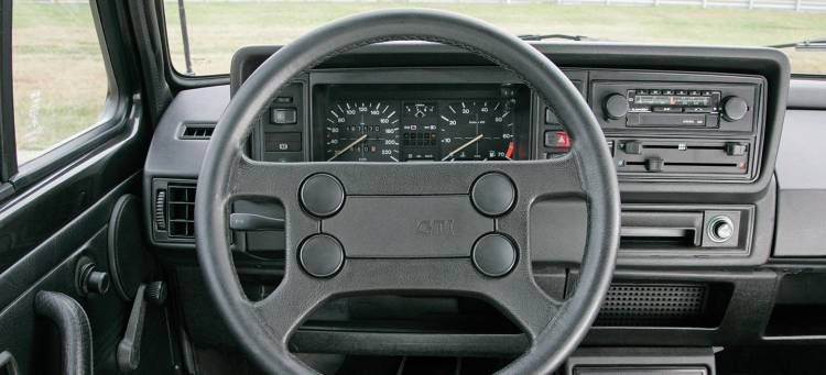 volkswagen-golf-gti-interior