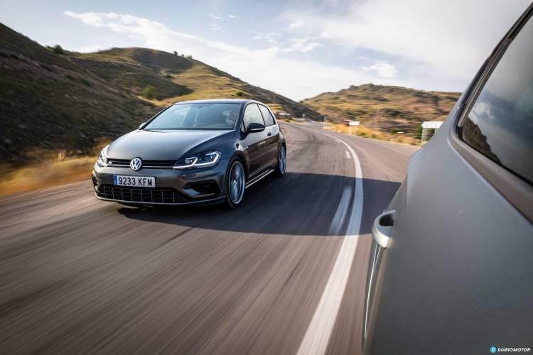 Volkswagen Golf R Seat Leon Cupra R 21