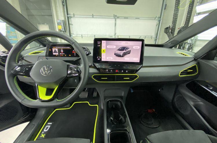 Volkswagen Id X Concept 4