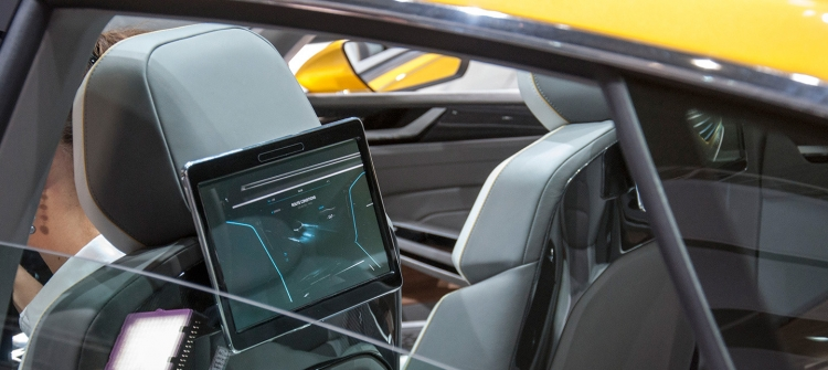 volkswagen-pantallas-salon-de-ginebra-201510-1440px
